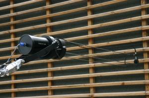 Messung von Schallabsorptionsgrad und Schallreflexionsfaktor an Lärmschutzwand mit Schallabsorptionsmessgerät AED 800 - AcoustiAdrienne in situ