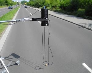 Messung von Schallabsorptionsgrad und Schallreflexionsfaktor an Fahrbahnoberfläche mit Schallabsorptionsmessgerät in situ