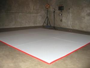 Messung von Schallabsorptionsgrad von Wandabsorber bzw. Schrankrückwand im Hallraum gemäß DIN EN ISO 354