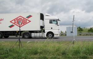 Durchführung der Methode der statistischen Vorbeifahrt (SPB-Messung) zur Bestimmung der Geräuschemission der Fahrbahnoberfläche einer Autobahn mit herkömmlichem Verfahren nach DIN EN ISO 11819-1 und mit Backing-Board nach ISO/PAS 11819-4