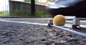 Operational Modal Analysis an Straßen während der Vorbeifahrt