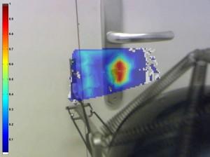 Messung von Schallabsorptionsgrad im Türbereich zur Lokalisierung von akustischen Schwachstellen und Leckagen